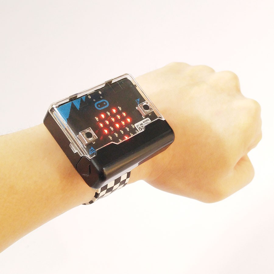 กล่องพลาสติกพร้อมสายรัดข้อมือสำหรับแผงวงจร micro:bit